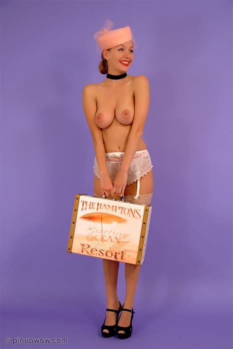 Intellismut Com Smart Erotica Porn Reviews Burlesque