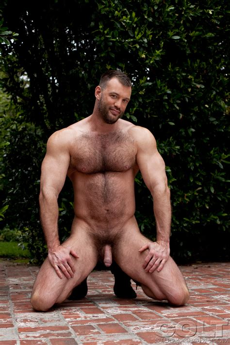 Hairy Muscle And Beefy Hunk Aaron Cage Posing Naked