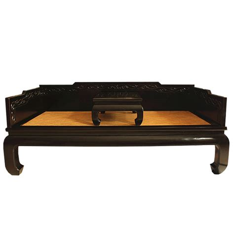 canapé chinois canapé lit chinois noir avec tablette meubles