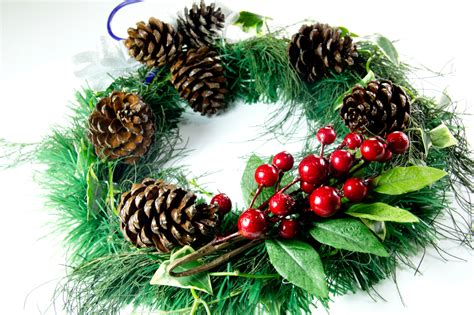 how to make a wreath how to make an evergreen wreath 9 steps with pictures wikihow