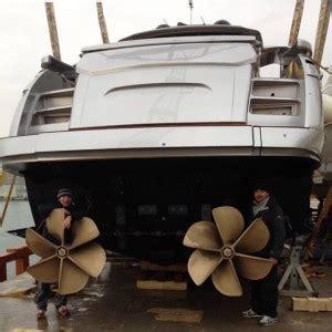 les helices de surface sur les pershing ita yachts canada