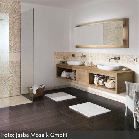 Badezimmer Mit Fliesen Holzoptik by Badezimmergestaltung Mit Fliesen Badfliesen Fliesen