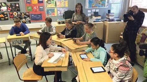education in finland study tour learning scoop 500   Sanni Grahn Laasonen visiting Finnish schools.png 480x269