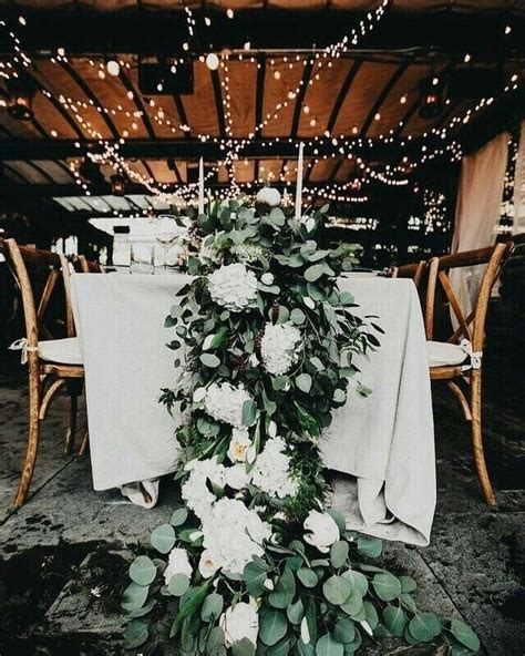 Now pinning to our *Silver Sage Weddings* board on