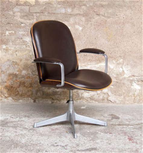 fauteuil de bureau en bois pivotant fauteuil de bureau vintage ico parisi mim pivotant et