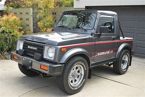 suzuki samurai this 87 suzuki samurai is the 4x4 collector s jeep