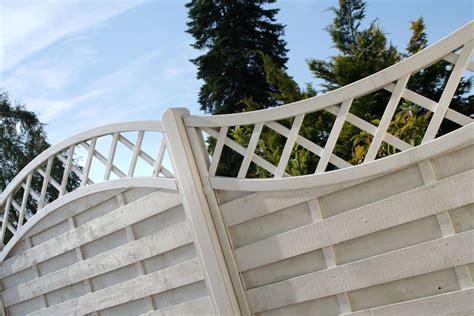 Installer un brise-vue dans le jardin pour u00e9viter les vis-u00e0-vis