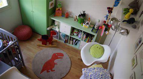 deco chambre dinosaure une décoration dinosaure pour la chambre de bébé famille