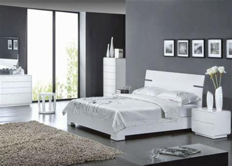 chambre en gris et blanc moderne chambre à coucher complète archzine fr