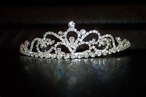 Crown Wallpapers High Quality | Download Free
