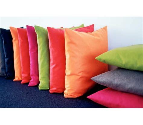 canapé tissu marron coussins turino coussins 45 x 45 cm pour décoration