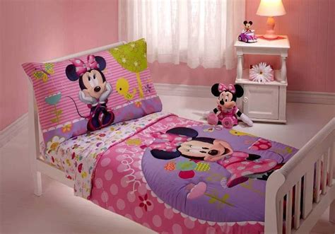 Funny Minnie Mouse Toddler Bedding For Kids