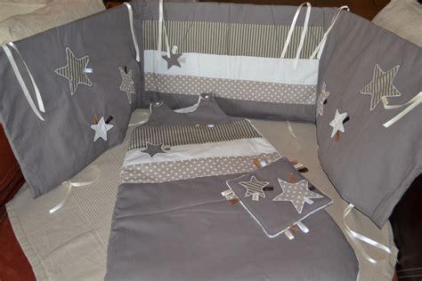 tour de lit bebe et gris tour de lit gigoteuse et doudou gris taupe mode b 233 b 233 par ganea