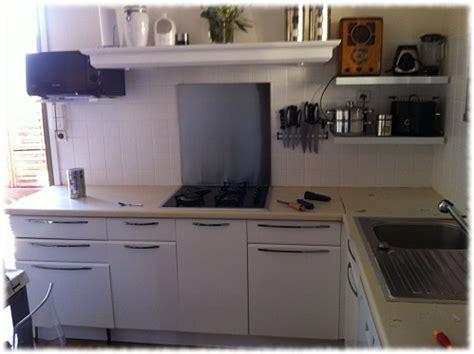 repeindre meubles de cuisine mélaminé cuisine en mélaminé repeinte avec eléonore déco eléonore