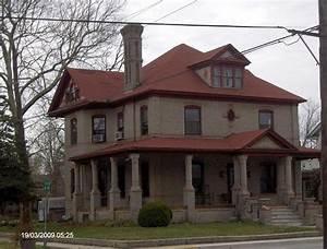 1907 American Foursquare in Bridgeville, Delaware ...
