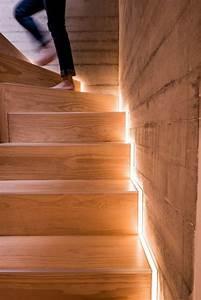 Lampen Für Treppenhaus : die led lichtleiste 30 ideen wie sie durch led leisten verlockende innendesigns schaffen ~ Markanthonyermac.com Haus und Dekorationen