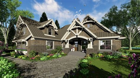 traditional ranch house plan  large kitchen pantry