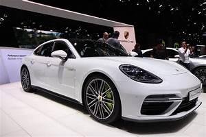 Porsche Panamera Hybride : porsche panamera turbo s e hybride hybride muscl e en direct du salon de gen ve 2017 ~ Medecine-chirurgie-esthetiques.com Avis de Voitures