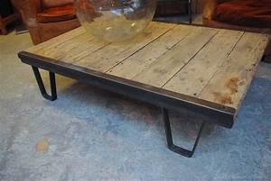 Table Basse Ancienne : table basse par le marchand d 39 oublis ~ Dallasstarsshop.com Idées de Décoration