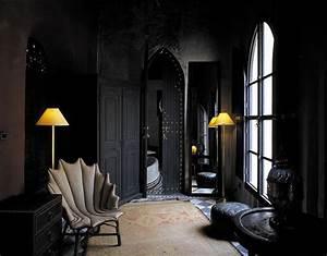 The Black Wall - A Bold Statement in Interior Design