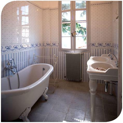 chambre de bonne a vendre deco cosy dans une maison du 19ème siècle par didier
