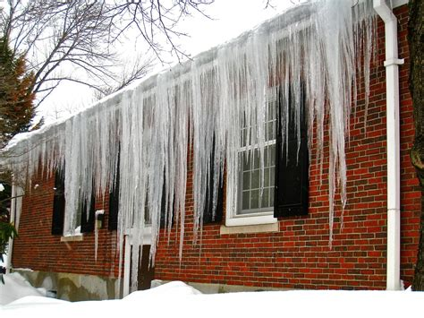 Large icicles - True Building Performance