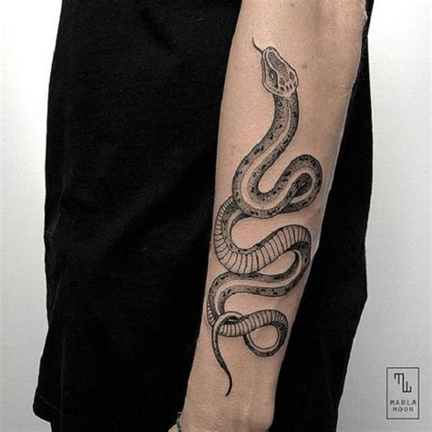 tatouage avant bras serpent cecilehalleydesfontaines