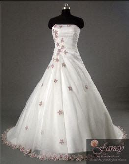 wedding dresses with purple accents a wedding addict purple and white wedding dresses