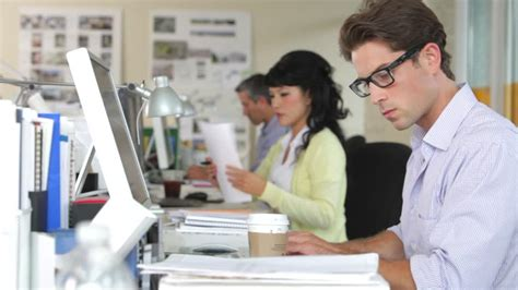 employe de bureau business bureau employé travailler etre assis hd