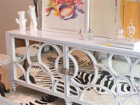 Art Deco Streamlined Geometric Style Of Home Furnishings