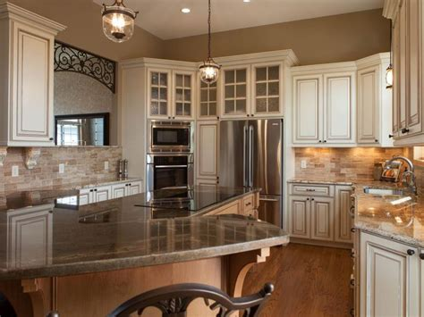 painting the kitchen cabinets 17 best ideas about tuscan kitchens on 4065
