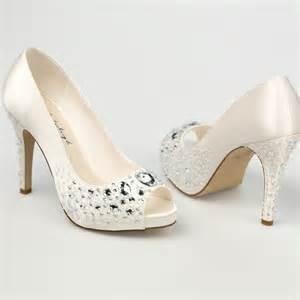 chaussures mariage ivoire chaussure mariage ivoire en satin à bout ouvert talon 11 cm westerleigh
