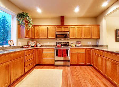 what color hardwood floor with oak cabinets best hardwood floors kitchen captainwalt com