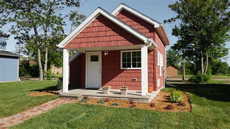 Small Homes : These Tiny Houses Help Minimum Wage Workers Become Home