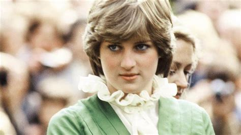 Princess Diana's Iconic Skirt Moment Photographer Arthur