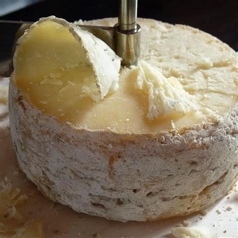 cuisiner un foie gras frais tomme de chèvre fermière affinée au lait cru