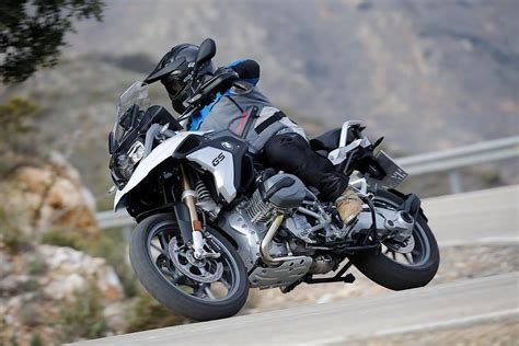 bmw rgs exclusive   review mcn