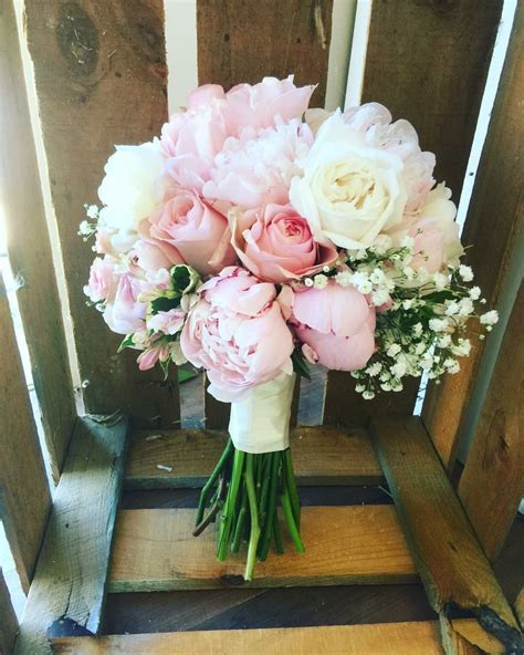 White And Pink Brides Bouquet Peonies David Austin Roses