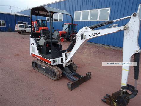 bobcat  mini excavator adjustable tracks  hours