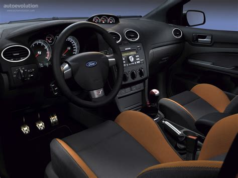 ford focus st  doors specs