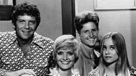 Brady Bunch Mom Florence Henderson Dies At Age 82