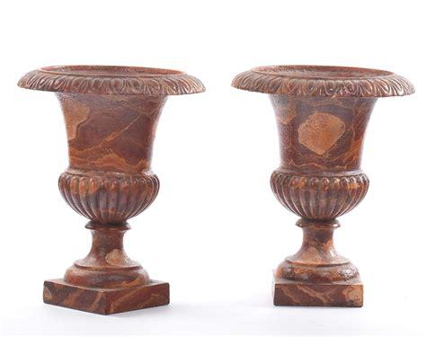 vasi marmo coppia di vasi a cratere in metallo dipinto a finto marmo