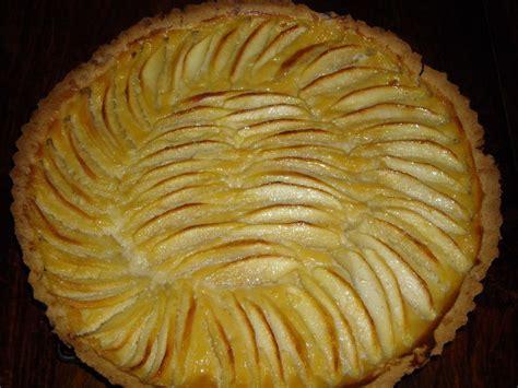 tarte aux pommes et cannelle caramelisee le rendez vous des gourmands