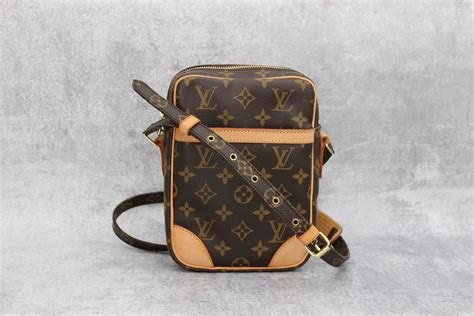 louis vuitton monogram canvas danube crossbody bag  jill