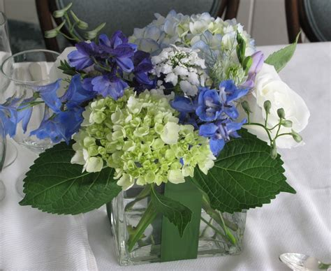 white flower table l 17 best images about wedding blue and white on pinterest