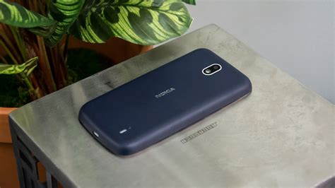nokia  review hands    cheap phone
