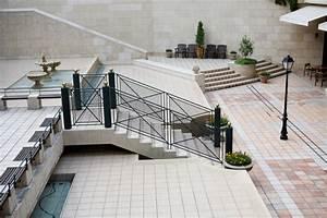 Eine treppe zur terrasse bauen anleitung in 4 schritten for Terrasse mit treppe