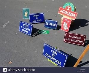 Auto Discount Beziers : vintage tin signs stock photos vintage tin signs stock images alamy ~ Medecine-chirurgie-esthetiques.com Avis de Voitures