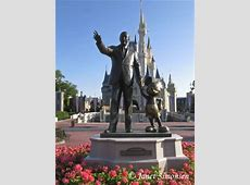 Magic Kingdom Partners Statue PassPorter Photos