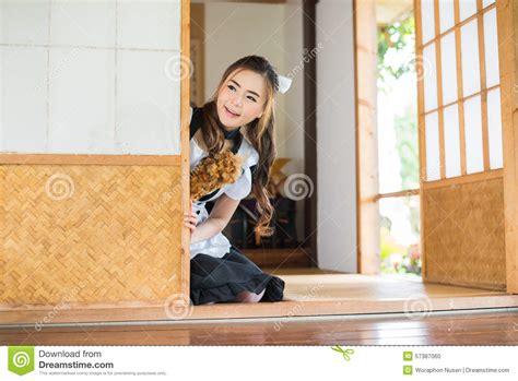 Cute Asian Maid Europareportageeu Cute Asian Maid